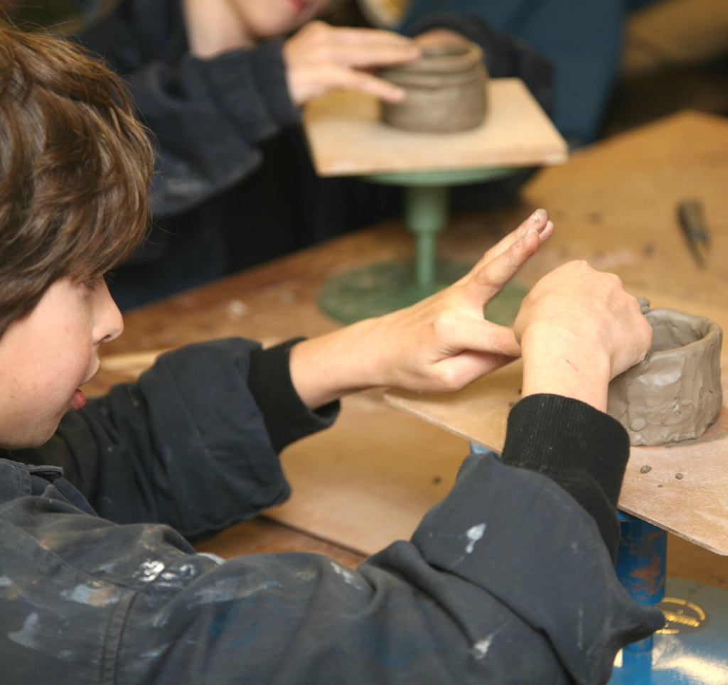 Sue Wagstaff child pottery class