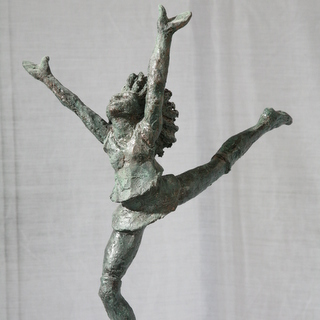 Gerda Rubinstein jumping girl sculpture